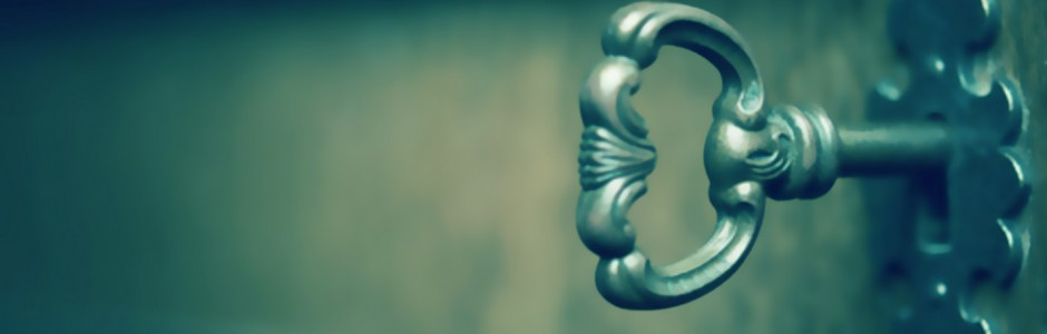 llave en una puerta